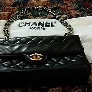 Authentic chanel lambskin handbag 28 series